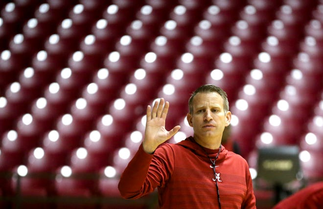 Alabama Head Coach Nate Oats signals for the ball during practice for the Alabama men's basketball team Wednesday, Oct. 16, 2019. [Staff Photo/Gary Cosby Jr.]