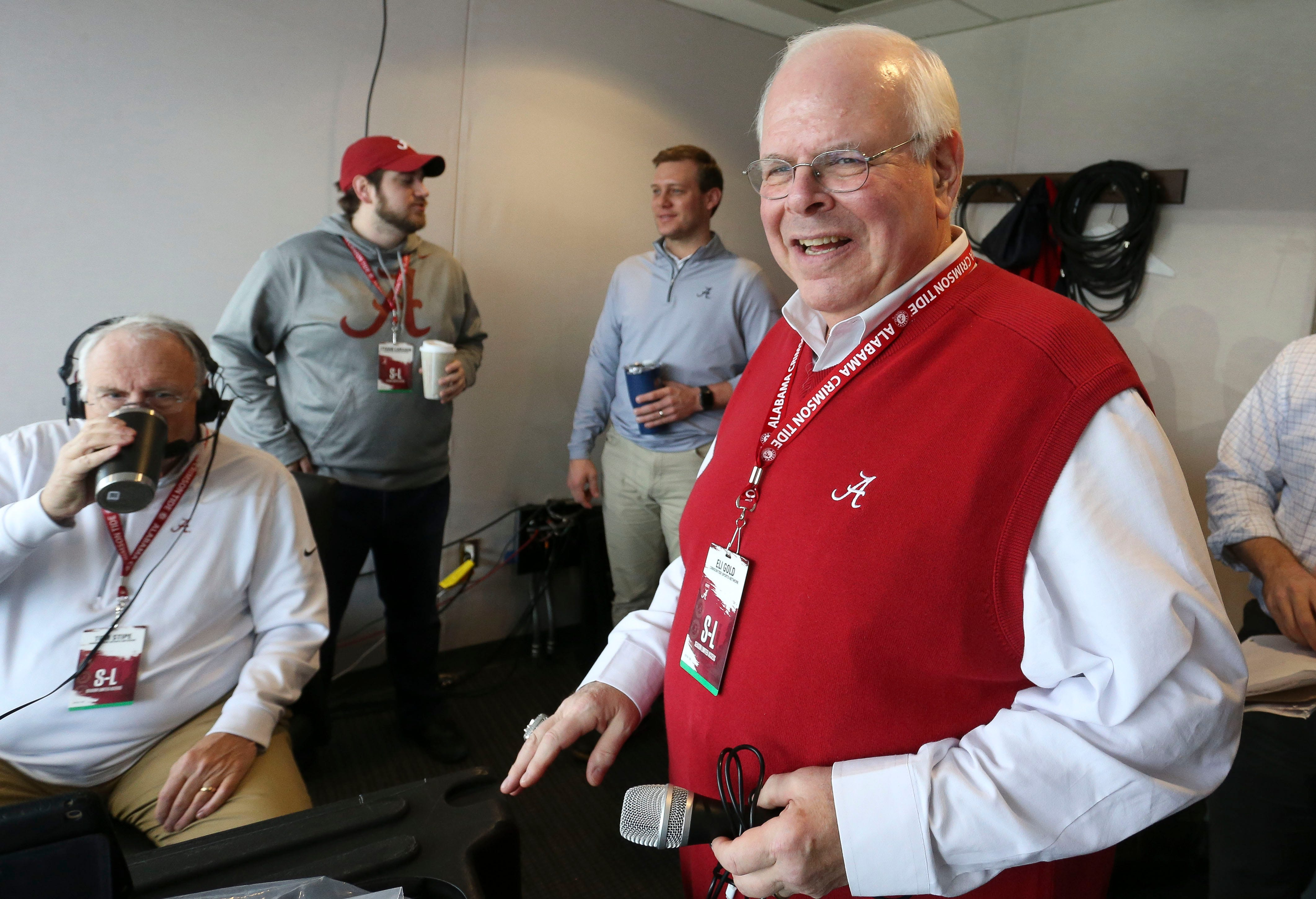 After positive COVID-19 test, Alabama announcer Eli Gold's streak in booth will end at 409 games