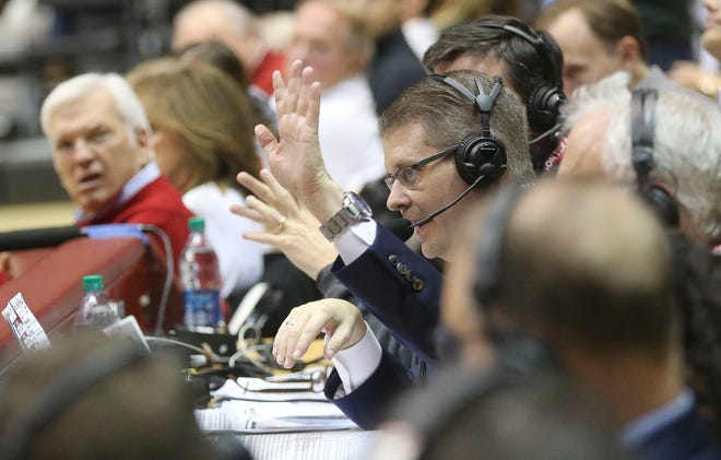 Chris Stewart ran the play-by-play of both the Alabama football and Alabama basketball games on Saturday.