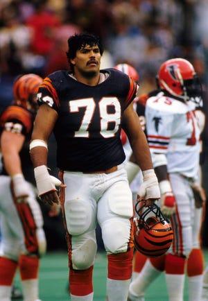 Nov 25, 1984: Cincinnati Bengals tackle Anthony Munoz (78) on the field against the Atlanta Falcons at Riverfront Stadium.