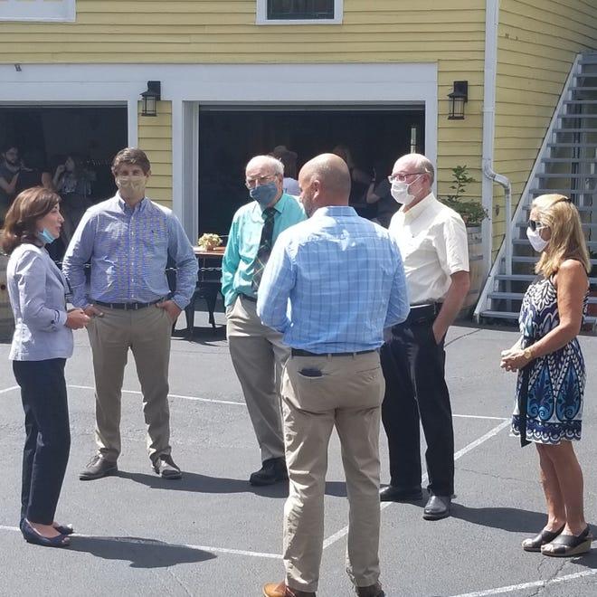 Lt. Governor Kathy Hochul visits Laurentide Beer Co.