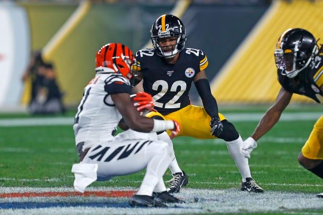 Pittsburgh Steelers cornerback Steven Nelson (22) looks to make a tackle during the first half of a Sept. 30 game against the Cincinnati Bengals. [AP Photo/Tom Puskar]