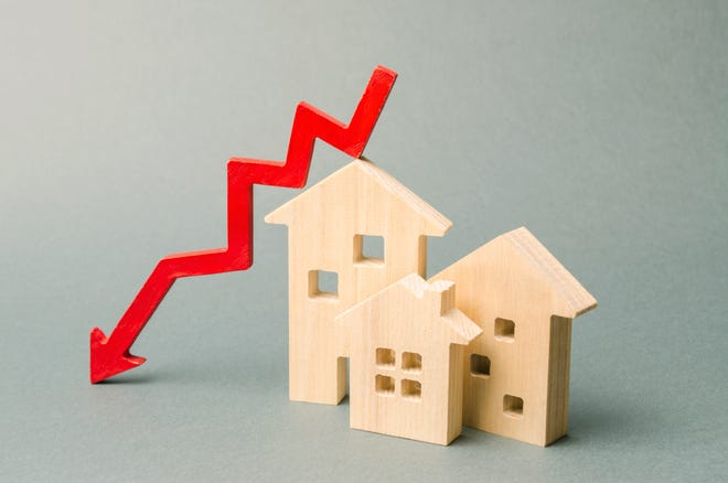 Many people want to take advantage of historically low interest rates. [Dreamstime / TNS]
