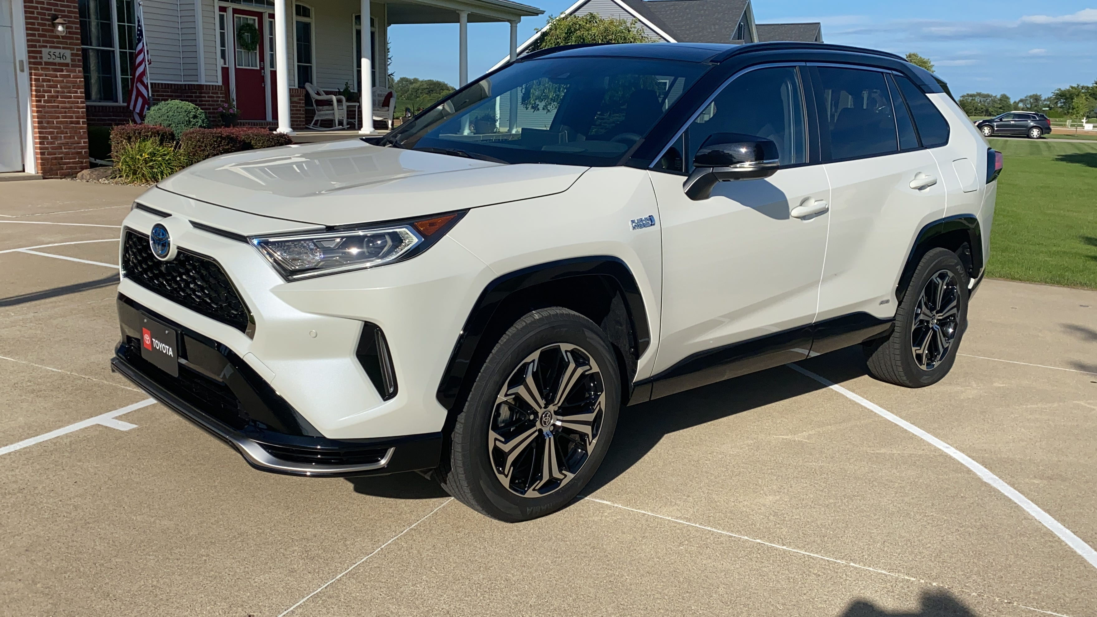Toyota Snubs Electric Vehicle Trend With Plug In Hybrid 2021 Rav4 Prime