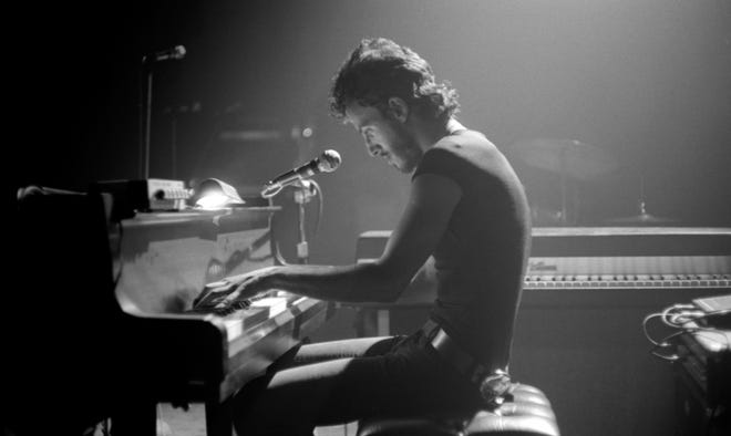 Bruce Springsteen performs at The Harvard Square Theatre on May 9, 1974. From WBCN And The American Revolution.