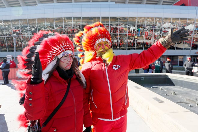 Kansas City Chiefs fans arrive before the Jan. 19 AFC championship game against the Tennessee Titans at Arrowhead Stadium in Kansas City, Mo. [AP Photo/Charlie Neibergall]
