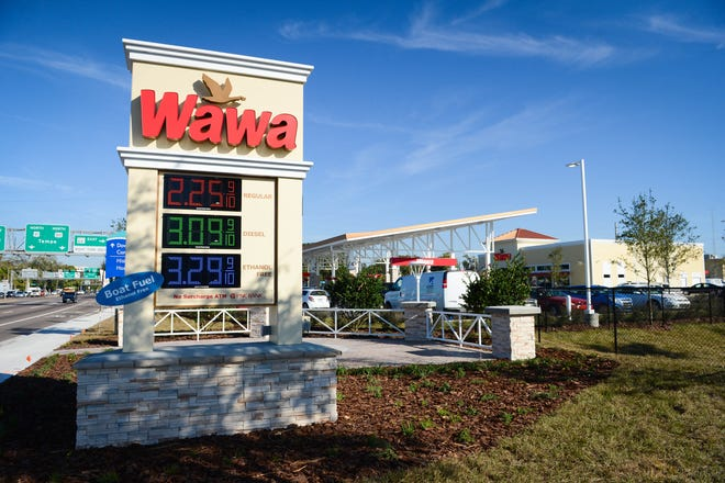 A Bradenton Wawa on opening day in 2014. The company is building a new location on Fruitville Road east of I-75 in Sarasota County.