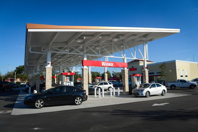 A Bradenton Wawa on opening day in 2014. Another Wawa is slated for construction in Sarasota County, on Fruitville Road east of Interstate 75.