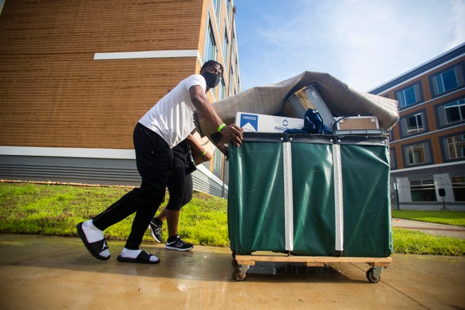 Maurice Pickett II moves into the FAMU Towers with help from his parents Thursday, Aug. 20, 2020.