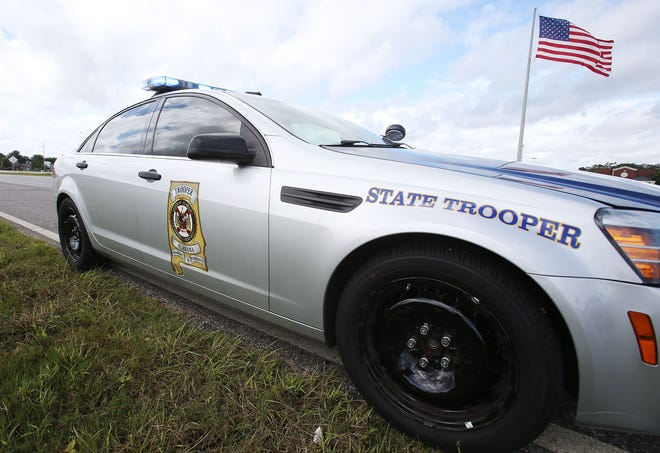 Alabama Law Enforcement Agency'sHighway Patrol Division said a teen died in a single-vehicle crash early Sunday morning on U.S. Highway 82 in Tuscaloosa County.