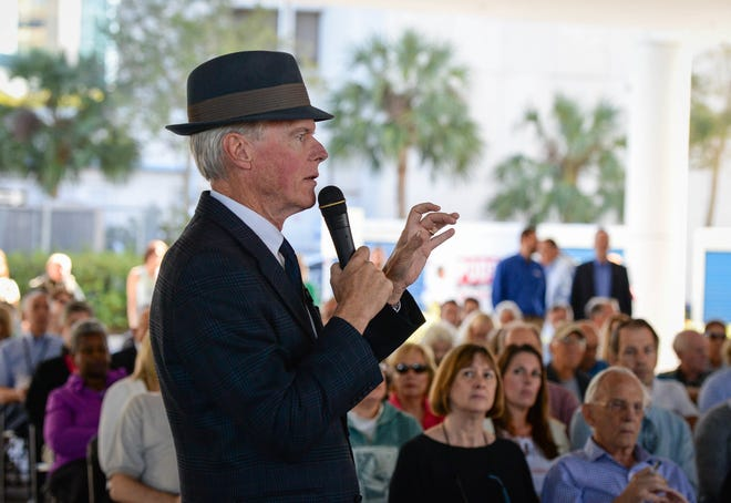 Real estate editor Harold Bubil moderated BuilderFest Sarasota in 2017.