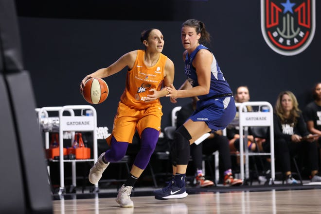 PALMETTO, FL - AUGUST 21: Diana Taurasi #3 of the Phoenix Mercury drives to the basket against the Minnesota Lynx on August 21, 2020 at Feld Entertainment Center in Palmetto, Florida. NOTE TO USER: User expressly acknowledges and agrees that, by downloading and/or using this Photograph, user is consenting to the terms and conditions of the Getty Images License Agreement. Mandatory Copyright Notice: Copyright 2020 NBAE (Photo by Stephen Gosling/NBAE via Getty Images)