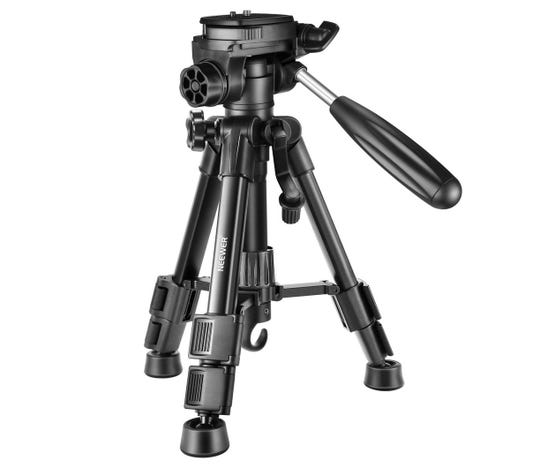 Compact tripod from Neewer