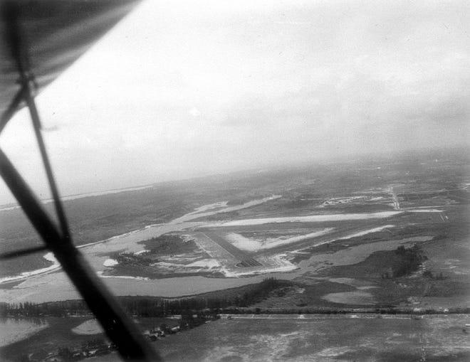 1943 aerial photo of Lantana airport.