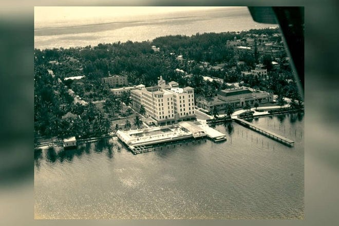 The Hotel Mayflower in Palm Beach had a swimming pool that jutted into the Intracoastal Waterway. [Historical Society of Palm Beach County.]