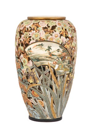 This Satsuma vase with intricate reticulation and decoration brought over $14,000 at a Cottone auction.