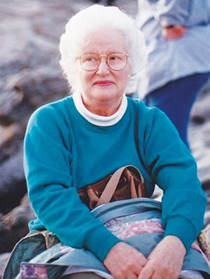 Valoise Johnson Fuller, age 91, passed away Aug. 18, 2020, at her home in Clinton, Tenn.