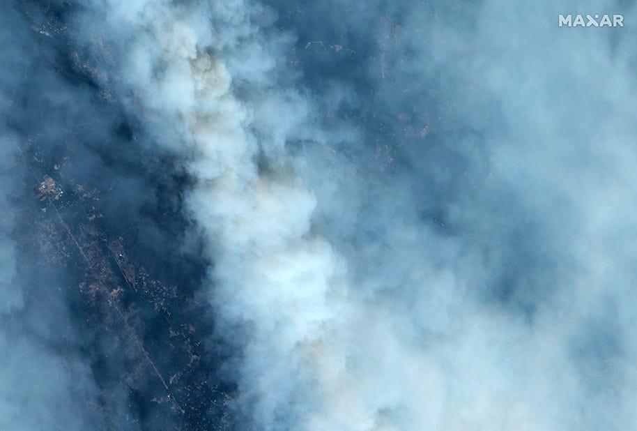 The CZU Lightning Complex Wildfire burns in the Santa Cruz mountains, near Santa Cruz, California on Aug. 21, 2020.
