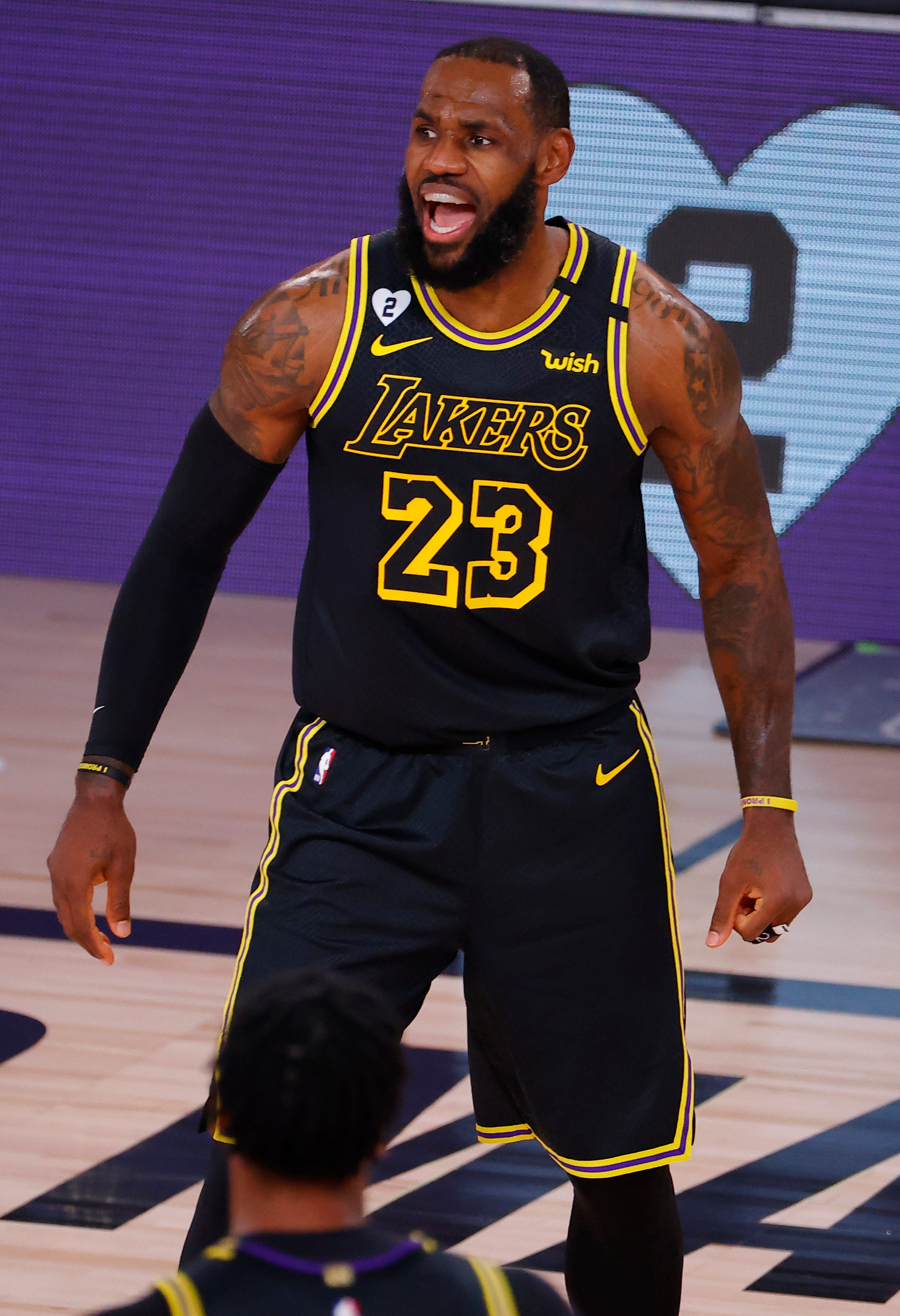 Kobe Bryant inspires LeBron James, LA Lakers in Game 4 rout of Portland Trail Blazers