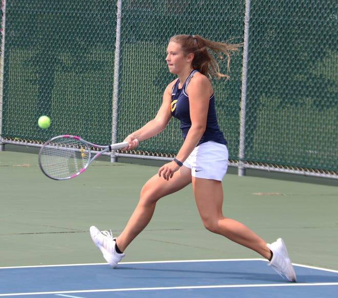 Emma Osborn and the Crookston girls' tennis team sits at 4-0.