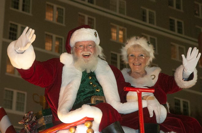 Santa and Mrs. Claus at the 39th annual Lakeland Christmas Parade in 2019. The city has canceled this year's parade, saying it's impossible to plan the event with the uncertainty caused by the COVID-19 pandemic.