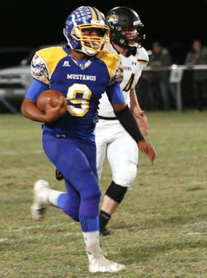 Brookesmith's Johnathan Willoughby breaks away for yardage against Blanket in a 2019 game.