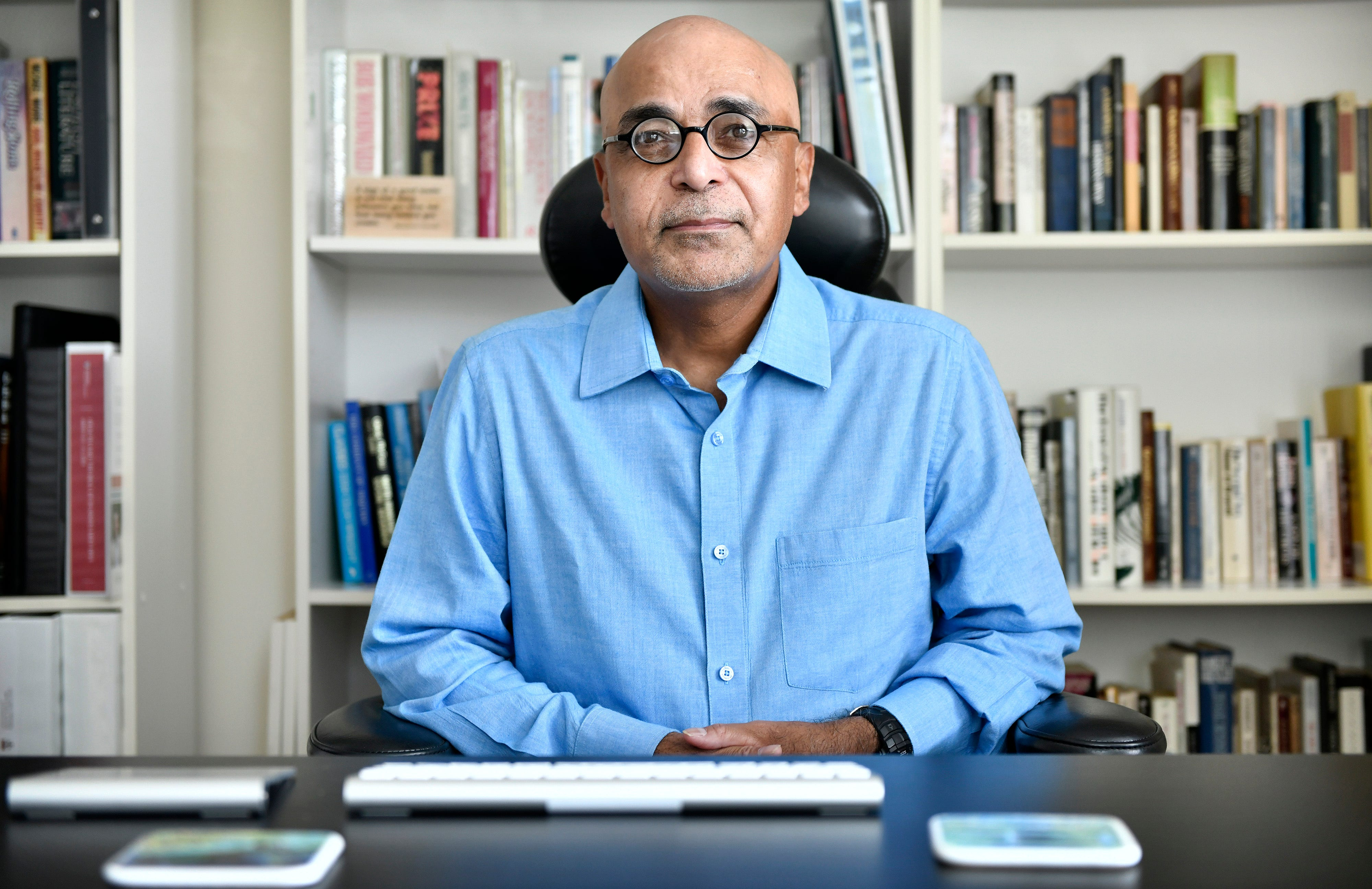 K. Vish Viswanath, a health communication professor at Harvard and an independent adviser to the CDC, criticizes the federal government for failing to give officials the guidance they needed to deal with those most vulnerable to COVID-19.