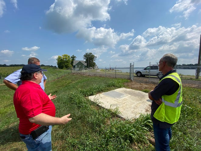 State Senator Tim Schaffer (R-Lancaster) toured the Buckeye Lake flood mitigation project in Millersport with Fairfield County Engineer Jeremiah Upp, P.E., P.S., on Tuesday.