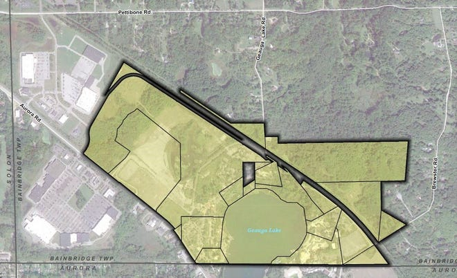 The area shaded in green shows the acreage included in the proposed Bainbridge-Aurora JEDD. The area zoned for mix-used development is between Route 43 and Depot Road (heavy black line), while the area between Depot and Brewster roads is zone residential. The Aurora city limits are below the JEDD zone.