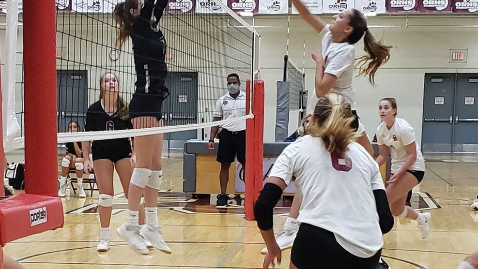 Lady Wildcats volleyball team pulls out a win