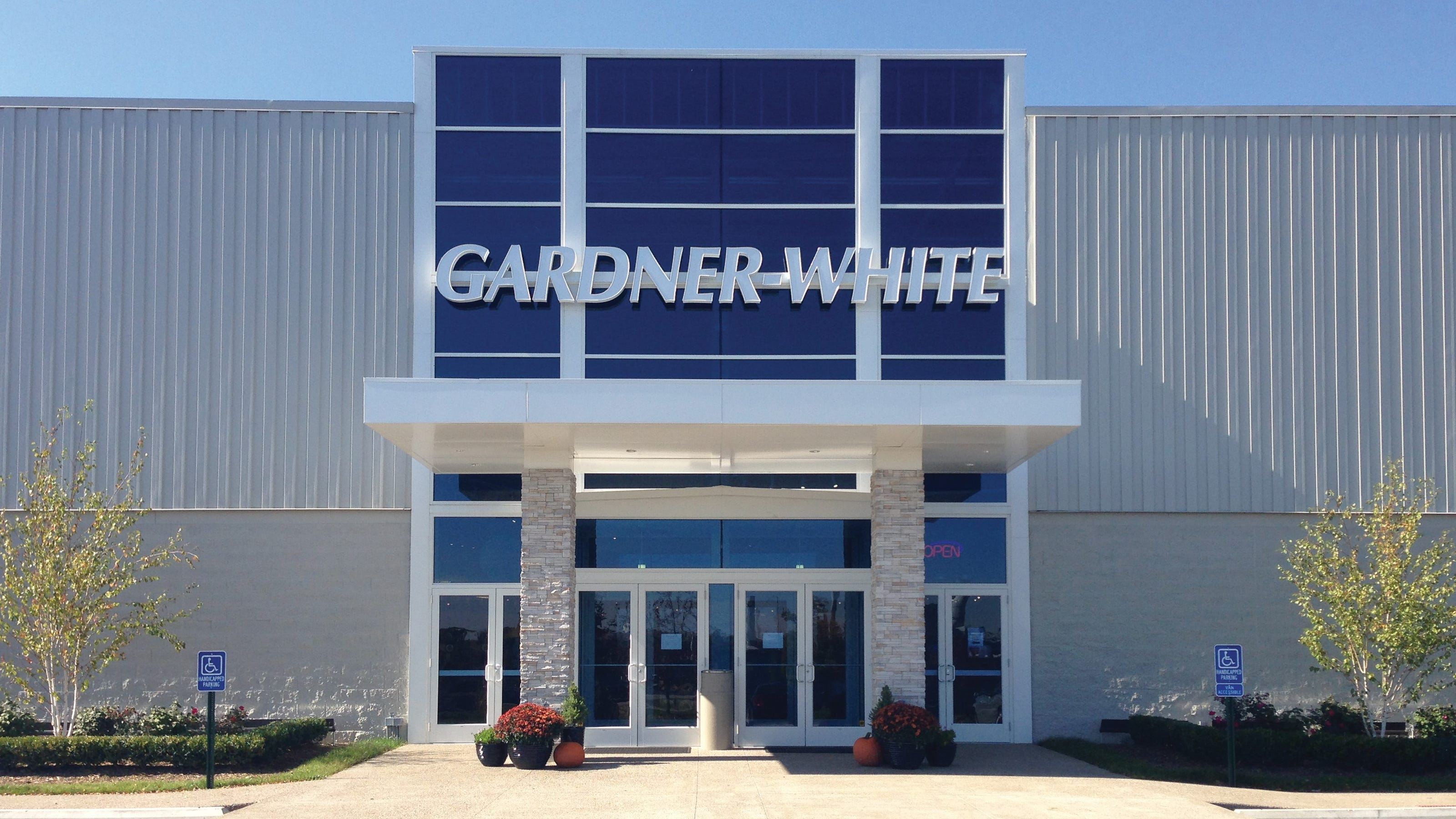gardner white buys art van store in rochester hills gardner white buys art van store in