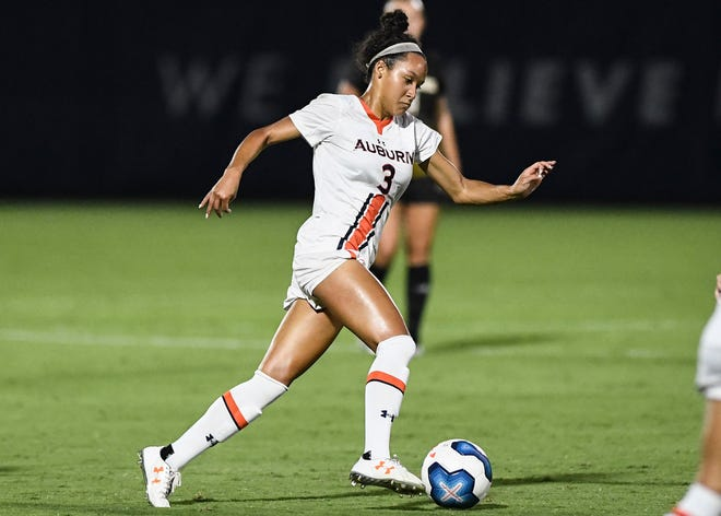 Auburn's Alyssa Malonson (3) dribbles the ball  during a game against Southern Miss. on Friday, Sept. 13, 2019, in Auburn, Ala.
