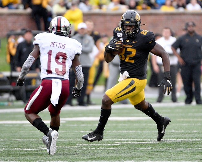 Blue Springs High School graduate Daniel Parker Jr. (82) should get significant playing time at tight end for Mizzou if he is fully healed from an eye infection that nearly cost him his vision in the offseason.