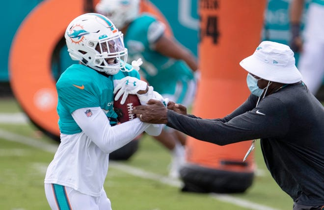 Dolphins cornerback Xavien Howard participates in individual drills at training camp. [ALLEN EYESTONE/The Palm Beach Post]