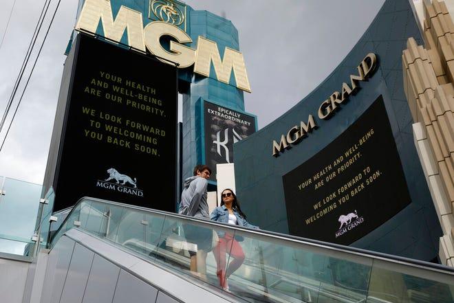 MGM Grand Detroit akan dibuka kembali pada pukul 5 sore hari Rabu. Lebih dari 1.500 slot dan mesin video poker akan segera tersedia. Permainan meja akan dibuka pada jam 8 pagi hari Sabtu.