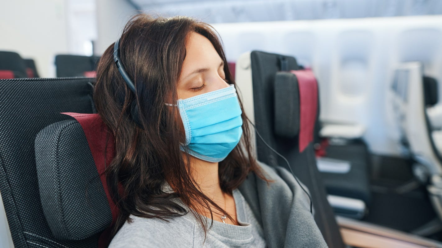 What to do if your travel seatmate flouts the rules and won't mask up