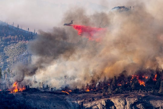 Air firefighters will attack the Sequoia fire on Thursday, August 27, 2020, behind a counterfire. The Unrestricted Sequoia Fire has burned more than 20,000 acres in the Golden Trout Wilderness area.