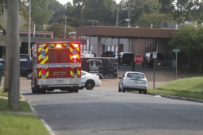 Memphis Police have closed off a section of Union Avenue near the Midtown Memphis police station after a suspicious package was discovered Sunday afternoon.