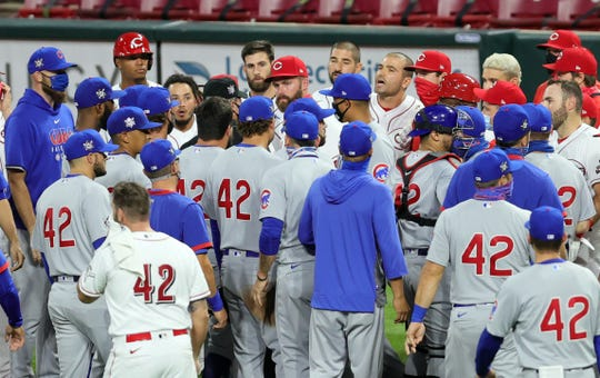 Benches clear in the fourth inning of Game 2 between the Chicago Cubs and Cincinnati Reds.