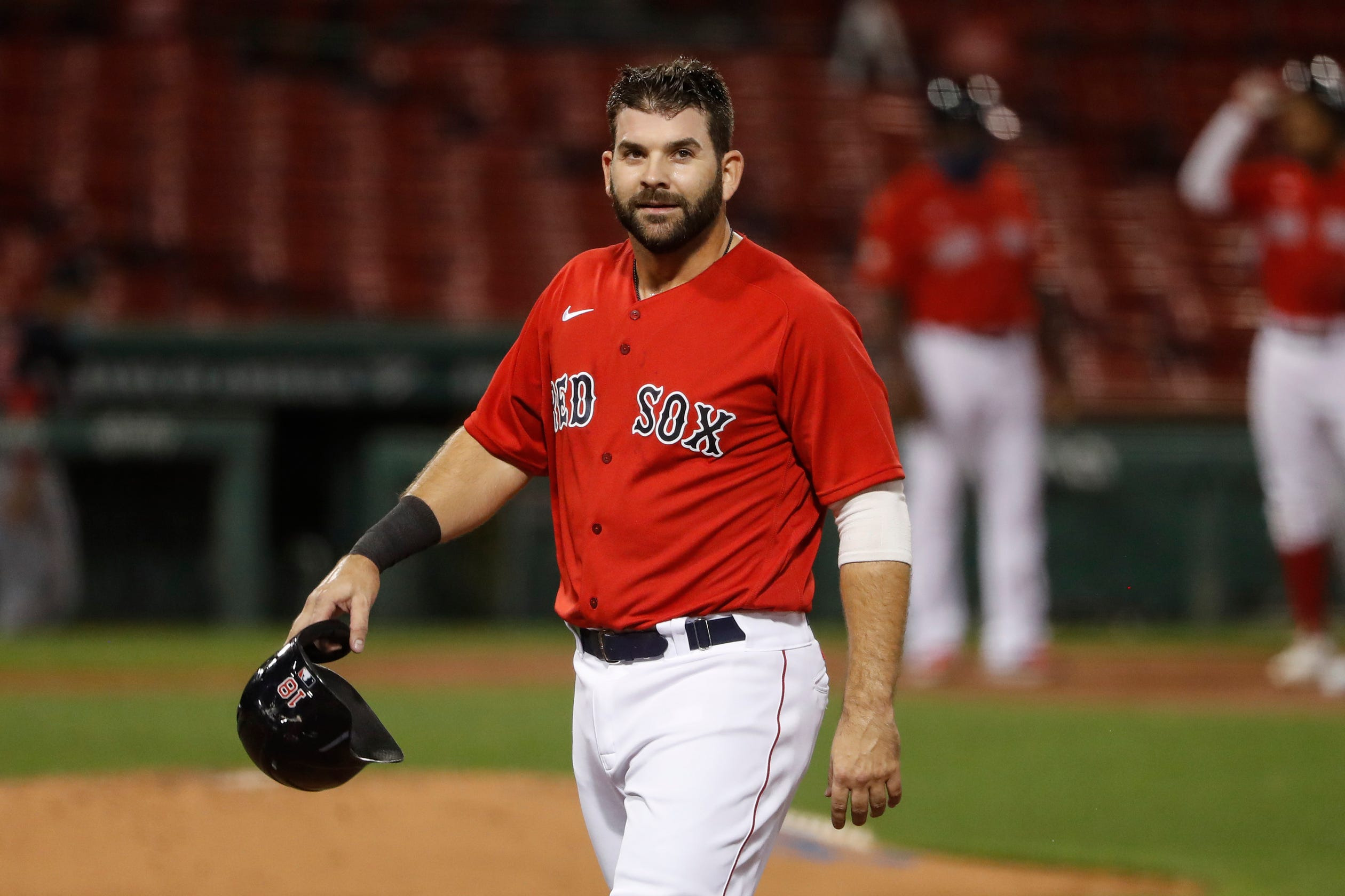 MLB Sunday trade tracker: Padres add punch with Mitch Moreland on day before deadline thumbnail