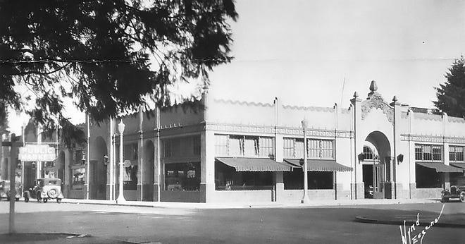Producers Public Market, 150 W. Broadway. Exterior. C. 1929.
