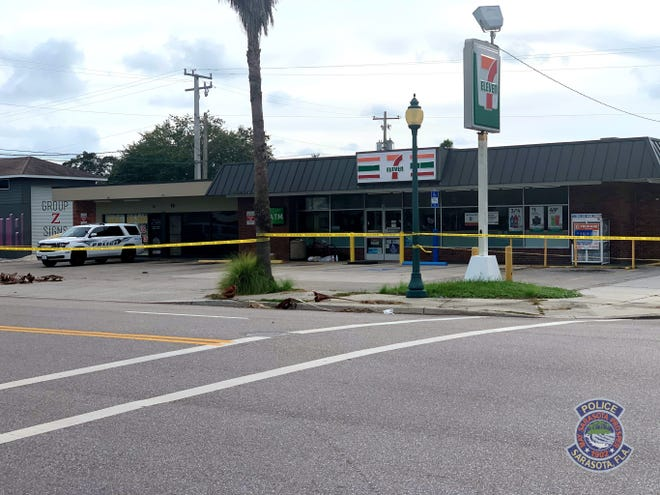 The scene of a fatal stabbing Aug. 29, 2020, at 10 South Lime Avenue in Sarasota.