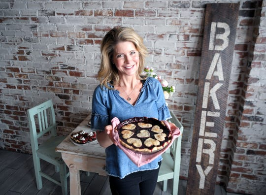 Gigi Butler is an entrepreneur, author, and founder of beloved national cupcake brand Gigi's Cupcakes. She is embarking on a new chapter with her latest concept, Pies by Gigi.