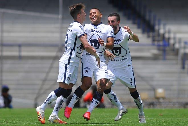 Bryan Mendoza celebra su gol ante los Xolos de Tijuana.