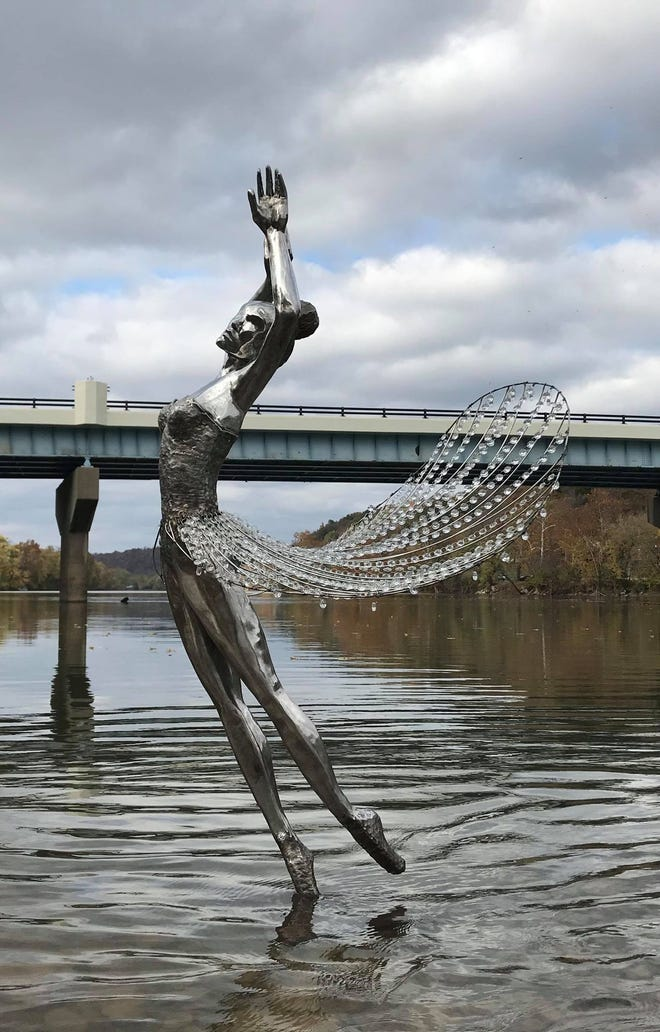 David Griesmyer Builds Beautiful Sculptures