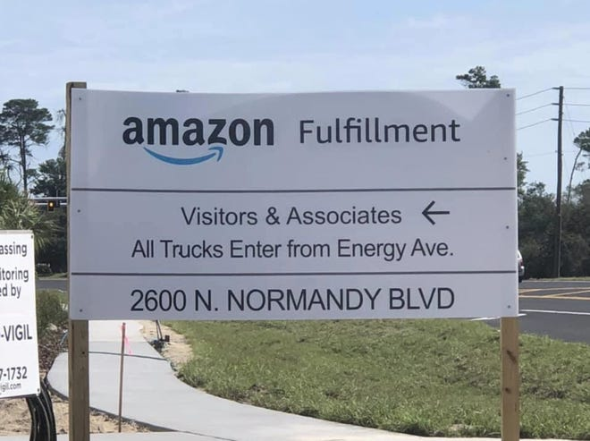 A sign for the new Amazon distribution center in Deltona gives visitors and associates directions on where to enter on Friday, Aug. 28, 2020.