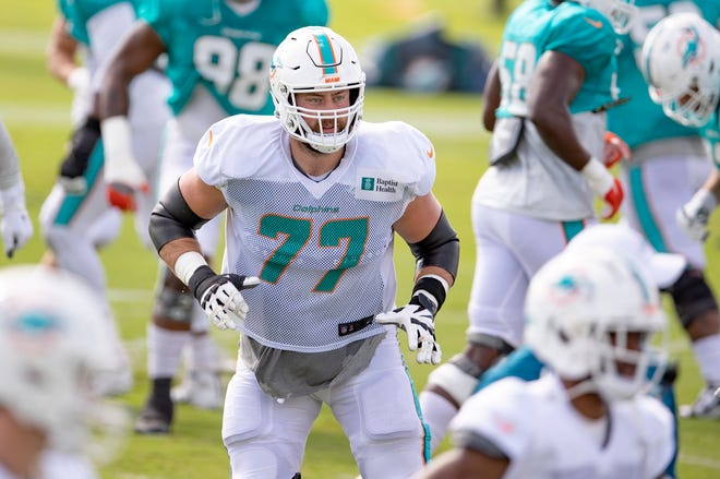 Miami Dolphins offensive tackle Jesse Davis at training camp on Tuesday. [ALLEN EYESTONE/The Palm Beach Post]