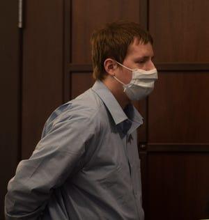 Randon Leonard remains in custody following a hung jury announcement.