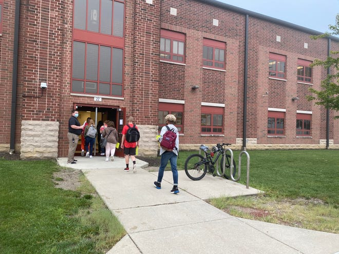 Students enter the doors of Harding High School for their first day of school Tuesday, Sept. 1, 2020. Gov. Mike DeWine's proposed budget would include a slight increase for Marion City Schools.