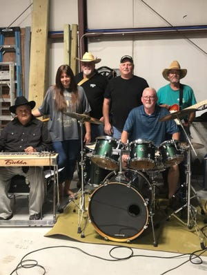 Classic Country will perform in downtown Yellville on Saturday night.
